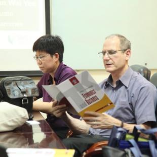 Tiến sĩ Kinh doanh thương mại - Đại học Thương mại
