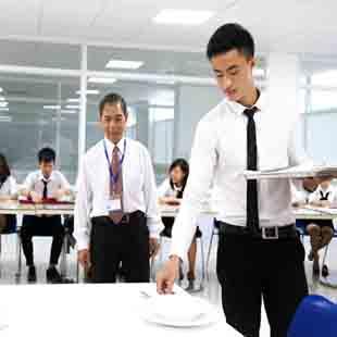 Cử nhân quản trị nhà hàng - dịch vụ ăn uống CPU