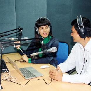 Cử nhân thực hành báo chí phát thanh truyền hình VOV