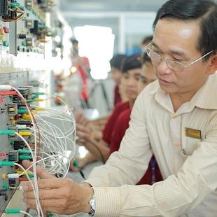 Tiến sĩ Kỹ thuật Điện tử - Đại học Bách khoa Hà Nội