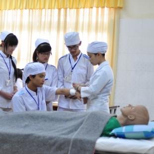 Cử nhân thực hành Điều dưỡng - Cao Đẳng Việt Mỹ