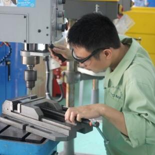 Kỹ sư thực hành Cắt gọt kim loại - Cao đẳng nghề Bách Khoa Hà Nội