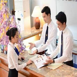 Cử nhân thực hành quản trị nhà hàng và dịch vụ ăn uống NSG