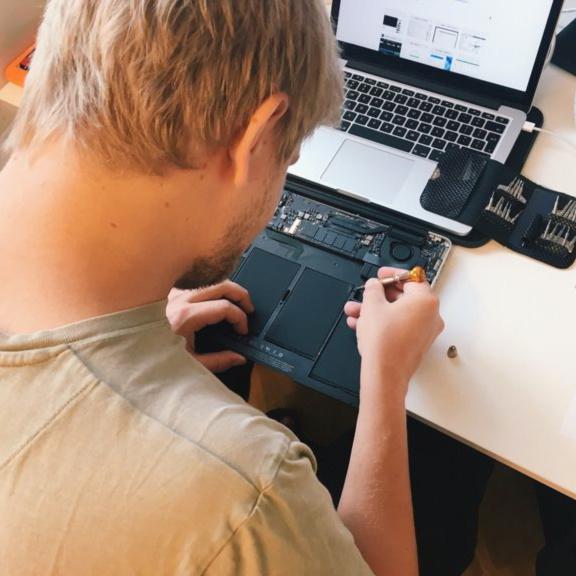 Kỹ sư Kỹ thuật sửa chữa, lắp ráp máy tính - Cao Đẳng Nghề TP.HCM