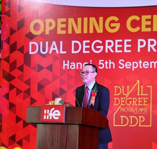 Cử nhân hai bằng đại học (DDP)