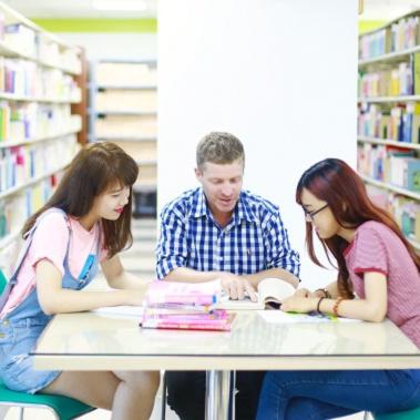 Thạc Sĩ Ngôn ngữ Anh - Đại học Hoa Sen
