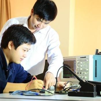 Kỹ sư Khoa học và Kĩ thuật máy tính