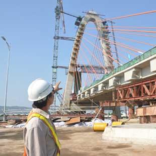 Kỹ sư thực hành Xây dựng cầu đường bộ Cao đẳng GTVT đường thủy II