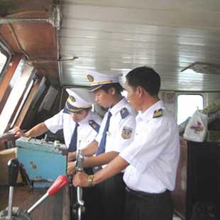 Trung cấp Điều khiển phương tiện tàu thủy nội bộ Cao đẳng GTVT đường thủy II