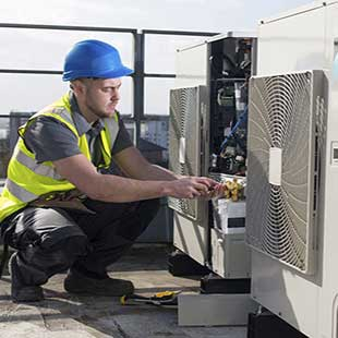 Kỹ sư thực hành Kỹ thuật máy lạnh và điều hòa không khí Cao đẳng Kỹ thuật Nguyễn Trường Tộ