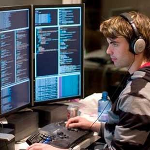 Kỹ sư thực hành Lập trình máy tính Cao đẳng Công nghệ Hà Nội