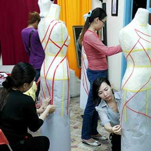 Trung cấp Công nghệ may và thời trang Đại học KT KT Bình Dương