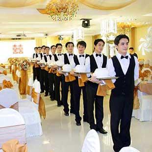 Cử nhân Quản trị nhà hàng khách sạn Cao đẳng Bách khoa