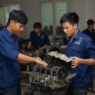 Kỹ sư Công nghệ Kỹ thuật ô tô (chuẩn quốc tế) - Đại học Nguyễn Tất Thành