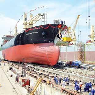 Trung cấp sửa chữa máy tàu thủy Cao đẳng GTVT đường thủy II